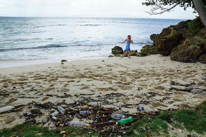 beach clean up trash
