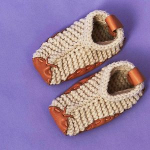 Plastic free and sustainable slippers by made trade